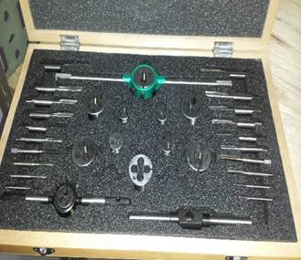 Triangle HSS Tap and Die Set